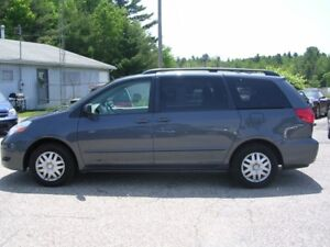 2008 TOYOTA SIENNA 8 PASSENGER FOR SALE!
