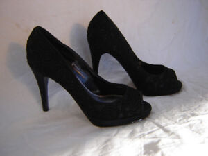 Beautiful Open Toed High Heels - size 7m
