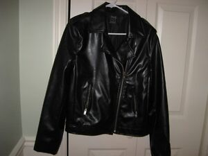 LADIES  BLACK FAUX LEATHER JACKET-LINED