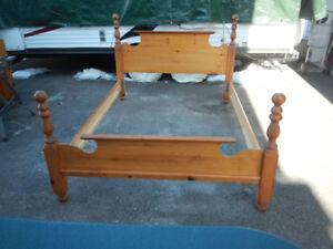 4 poster queen bed