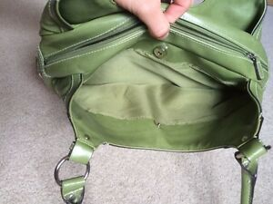 Green Purse Only Used once Kitchener / Waterloo Kitchener Area image 6