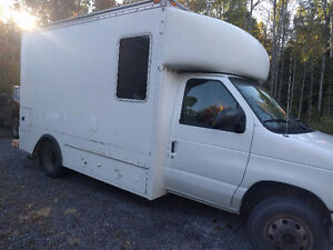 E350 Service Truck Mobile Workshop, New Tires, Fenders, Rockers