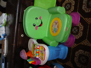Very Good Condition Baby Seat and Fun!