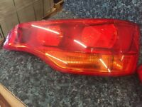 PAIR OF MINT GENUINE AUDI Q7 REAR TAILGATE LIGHTS