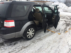 2008 Ford FreeStyle/Taurus X 6 place AWD solid Minivan, Van