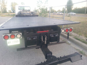 INTERNATIONAL FLATBED TOW TRUCK 2 CAR HOLDER WITH WHEEL LIFT