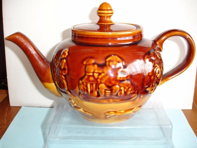 Arthur Wood Hunting Scene Lambeth Glazed  Stonewear Teapot early 1900's