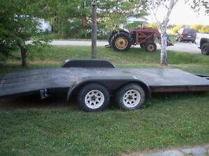 DUAL AXLE TRAILER CAR HAULER