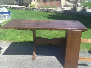 Pine harvest table
