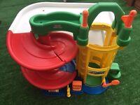 Fisher price children's play garage £15