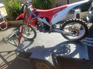 Motor bike trailer