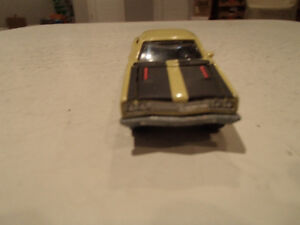Loose Yelow Gold 1969 '69 PLYMOUTH ROAD RUNNER by JOHNNY LIGHTNI Sarnia Sarnia Area image 10