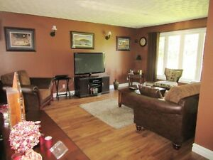 Family Home & Apartment - 16 Hoyles Rd - Carbonear - MLS 1134586 St. John's Newfoundland image 4