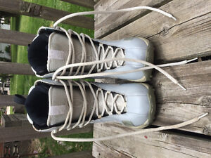 SIMS snowboarding boots size 3 women's