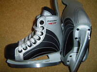Canadien C45 ice skates, size 9 Youth  for shoe size 10 youth