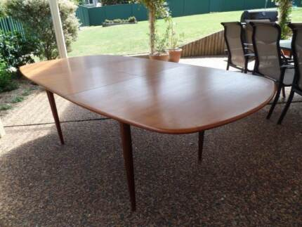 Parker Dining Table- rare find Camden Camden Area Preview