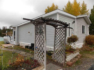 4 Bdrm 2 Bath Mobile in Desirable & Sunny Chilcotin Estates!