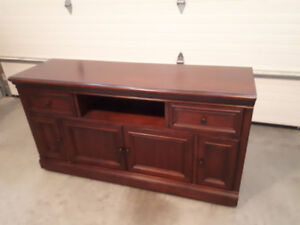 Beautiful solid wood Entertainment Centre/Sideboard