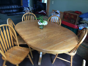 GUC Oak Table with 5 chairs