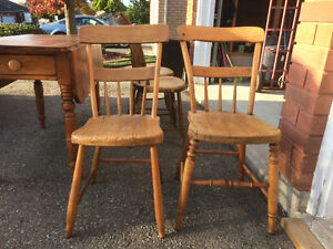 Antique table and chairs Peterborough Peterborough Area image 2