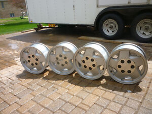 4 gms chevy 16 inch aluminum rims
