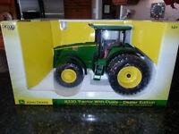 Collectors 8330 John Deere Tractor ERTL Dealer Edition