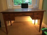 Desk + French Biedermeier, 'direktora' (1820) made with walnut wood 120 x 75 x 65