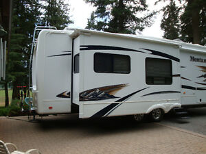 FOR SALE: 2011 3665 RE Montana purchased NEW off lot May 25 '12