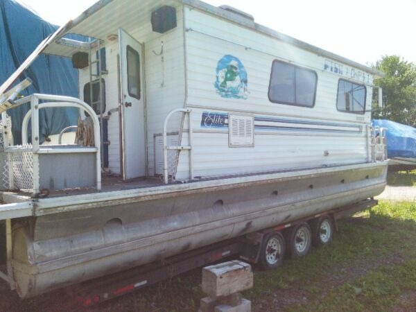 Used 1998 Other House boat.