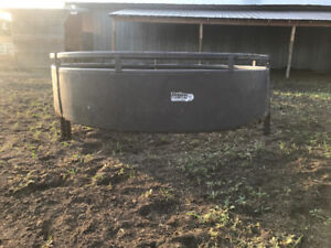 Buhlen Round bale feeder - Perfect for horses