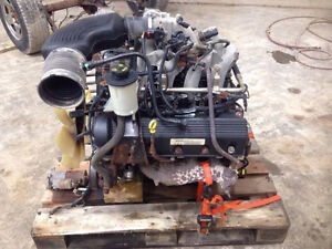 2004 4.6L 2V Triton Engine London Ontario image 2