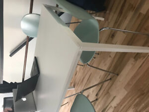 Sold Dining table(IKEA) and 4 chairs (Structube). Selling as set