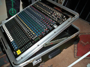 Live mixer or Studio Soundcraft M Series Spirit M12 20-Channel