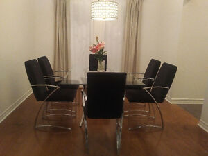 Modern Glass Dining Table with 6 Chairs Kitchener / Waterloo Kitchener Area image 2