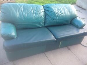 Pull out couch with double mattress