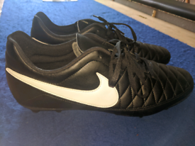 Nike Majestry FG-AG Football boots ( Size 12)