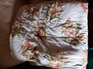 Liz Claiborne Conforter