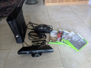 Xbox 360 with Kinect - 5 games included