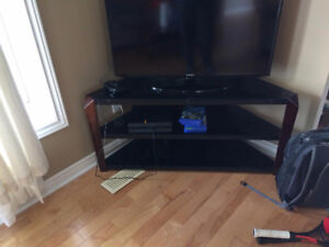 Glass/Wood TV stand