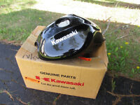 KASWAAKI NINJA FUEL TANK NEW IN ORIGINAL BOX