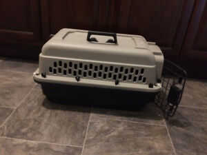 Small Dog or Cat Carrier/Kennel