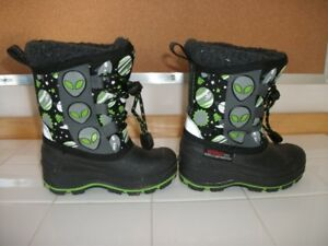 2 Weather Spirits Baby Boots - Size 5 and Size 8