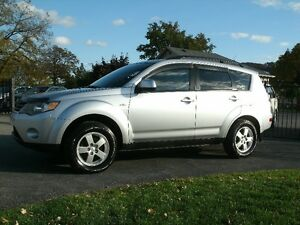 2008 Mitsubishi Outlander ES:4WD,Only 109kms, Drives Great! Oakville / Halton Region Toronto (GTA) image 1
