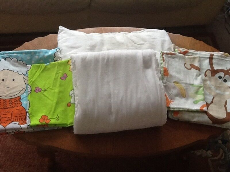Toddler Duvet and Pillow & 2x Sets of covers.