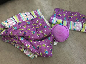 Reversible comforter with stuffy
