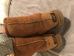 Authentic UGG boots - chestnut size 6