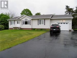 Energy efficient home, close to amenities & trails, garage