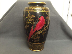 Collectible Antique Beautiful Japanese Made Vase London Ontario image 1