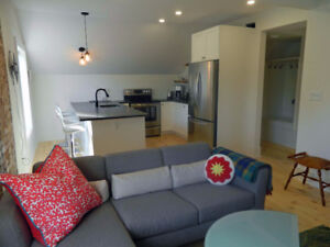 Newly renovated, furnished apartment in central Picton location