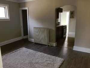 Fully renovated 2 BEDROOM APARTMENTS AVAIL IMMEDIATELY FOR RENT